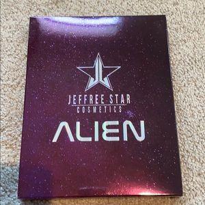 NIB Jeffree Star Alien Pallet